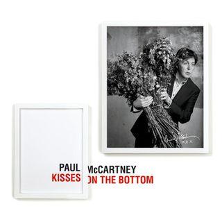 Paul_kisses